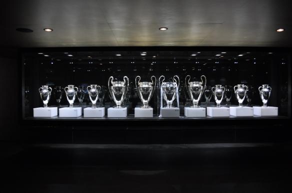 Tutto il pezzo è fatto per mostrare una delle cose più emozionanti che ho visto nel viaggio a Madrid allo stadio Santiago Bernabeu