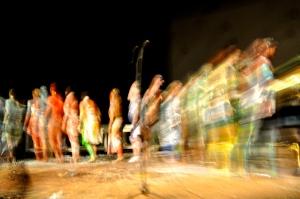 Uno dei tanti saluti finali durante i 40 minuti di applausi - Foto dalla 24 ore di Mount Olympus al Teatro Argentina di Roma sabato 17 e domenica 18 ottobre 2015