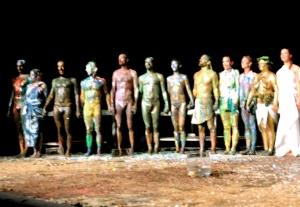 Il pubblico italiano è quello che per il momento ha resistito di più e meglio alla maratona di Fabre - Foto dalla 24 ore di Mount Olympus al Teatro Argentina di Roma sabato 17 e domenica 18 ottobre 2015
