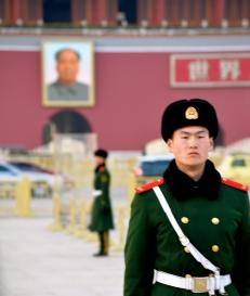 Il cambio della guardia in Piazza Tienanmen